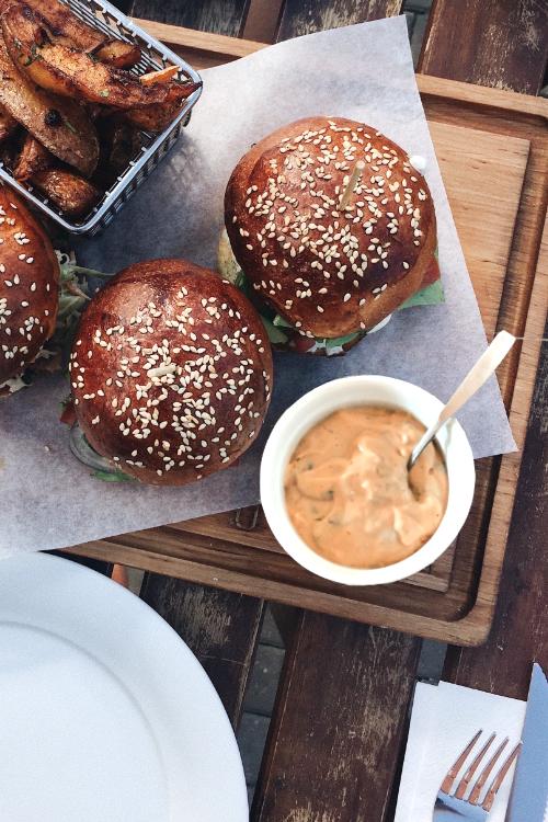 Sauce burger aux câpres vegan